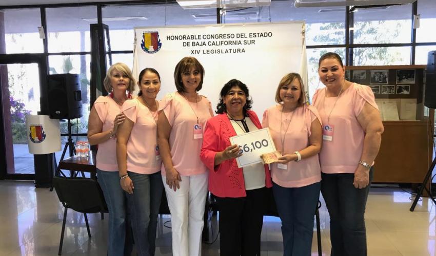 Realiza diputada Araceli Niño López donativo a Onco Reto BCS AC