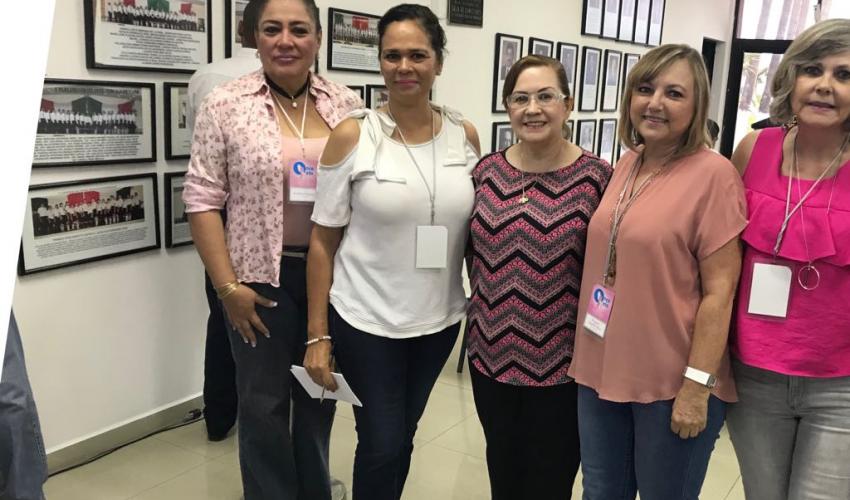 Apoyando iniciativa de Ley a favor de la Lucha contra el cáncer de mama en BCS