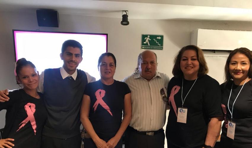 Plática sobre el cáncer de mama