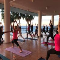 Clase de Yoga con Yoghar Estudio & Sushi Zone